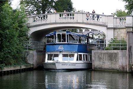 French Brothers Boats Maidenhead 2 1/2 hour lunch cruise