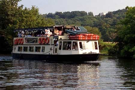 French Brothers Boats Runnymede Evening Dinner Dance Cruise