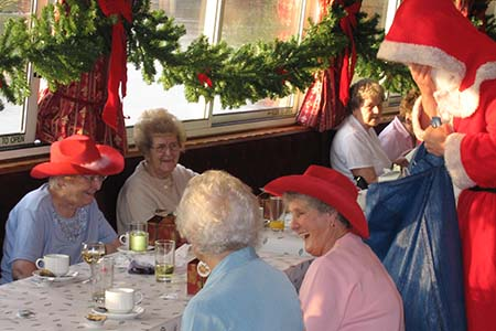 French Brothers Boats Santa Special Christmas Lunch Cruise Image 3